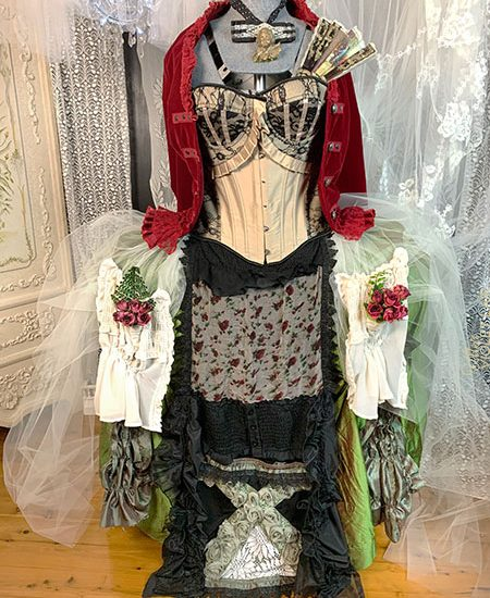 Costuming at the Lair - Dress and accessory option